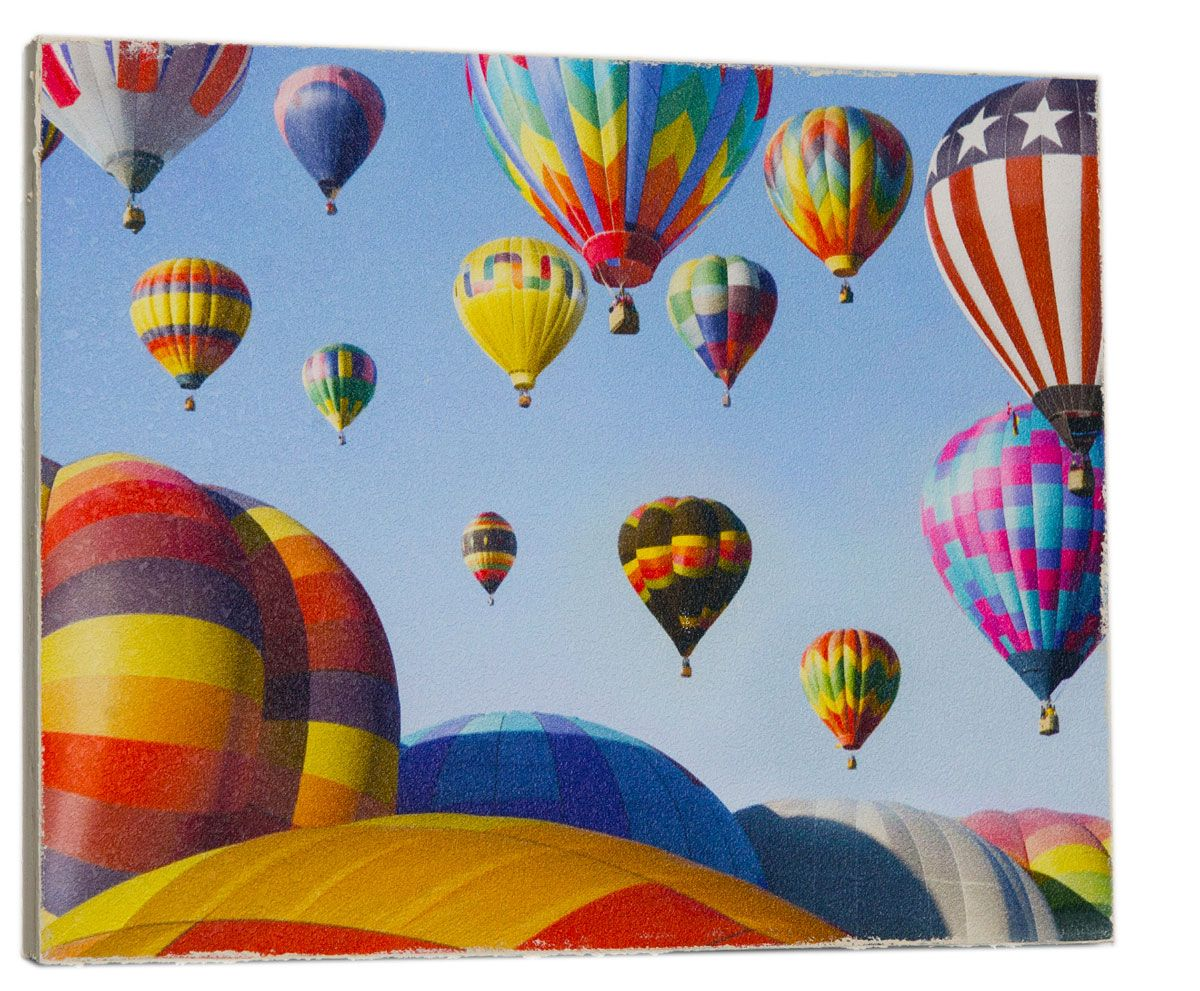 Картина Mister Poster Разноцветные воздушные шары, 32 х 24 смKT400(4)Картина Mister Poster - это высококачественная репродукция на деревянной раме. Лицевая поверхность имитирует штукатурку или натуральный холст, края окрашены вручную специальным декоративным составом.Современные технологии, уникальное оборудование и оригинальные чернила, используемые при изготовлении, делают постер устойчивым к выцветанию, а также гарантируют стойкость к воздействию негативных внешних факторов. Интерьер дома и офиса, в котором находится человек, в значительной степени влияет на его настроение и работоспособность. Правильное оформление интерьера создает благоприятный психологический климат, улучшает настроение и мотивирует. Добавьте «красок» в ваш интерьер и, возможно, в вашу жизнь.