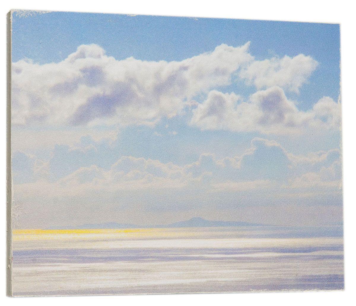 Картина Mister Poster Красивое небо, 32 х 24 см41616Картина Mister Poster - это высококачественная репродукция на деревянной раме. Лицевая поверхность имитирует штукатурку или натуральный холст, края окрашены вручную специальным декоративным составом.Современные технологии, уникальное оборудование и оригинальные чернила, используемые при изготовлении, делают постер устойчивым к выцветанию, а также гарантируют стойкость к воздействию негативных внешних факторов. Интерьер дома и офиса, в котором находится человек, в значительной степени влияет на его настроение и работоспособность. Правильное оформление интерьера создает благоприятный психологический климат, улучшает настроение и мотивирует. Добавьте «красок» в ваш интерьер и, возможно, в вашу жизнь.