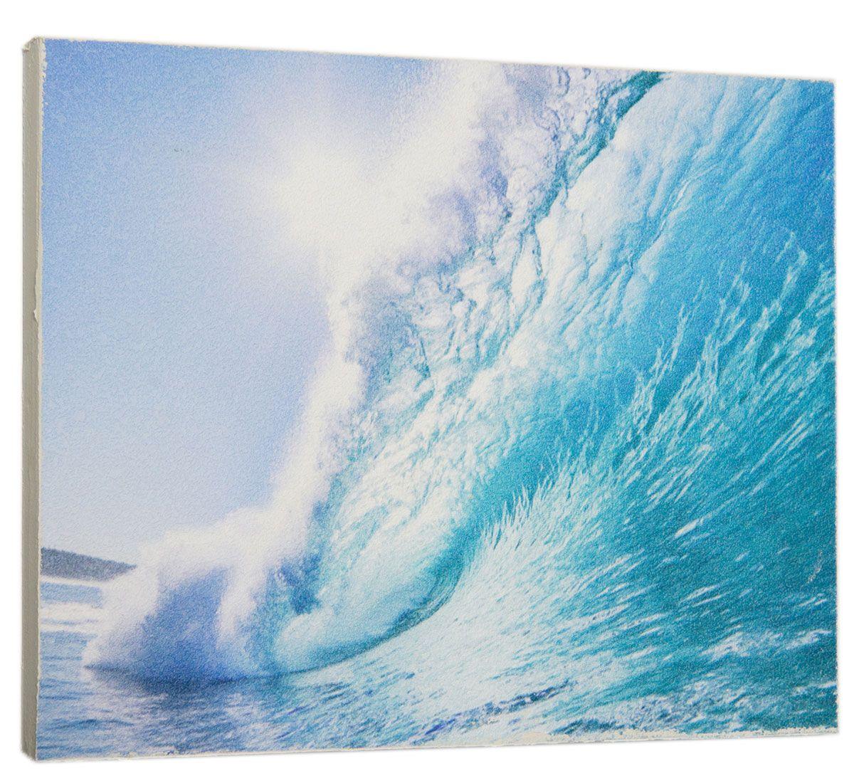 Картина Mister Poster Лазурная волна, 32 х 24 смMC-66Картина Mister Poster - это высококачественная репродукция на деревянной раме. Лицевая поверхность имитирует штукатурку или натуральный холст, края окрашены вручную специальным декоративным составом.Современные технологии, уникальное оборудование и оригинальные чернила, используемые при изготовлении, делают постер устойчивым к выцветанию, а также гарантируют стойкость к воздействию негативных внешних факторов. Интерьер дома и офиса, в котором находится человек, в значительной степени влияет на его настроение и работоспособность. Правильное оформление интерьера создает благоприятный психологический климат, улучшает настроение и мотивирует. Добавьте «красок» в ваш интерьер и, возможно, в вашу жизнь.