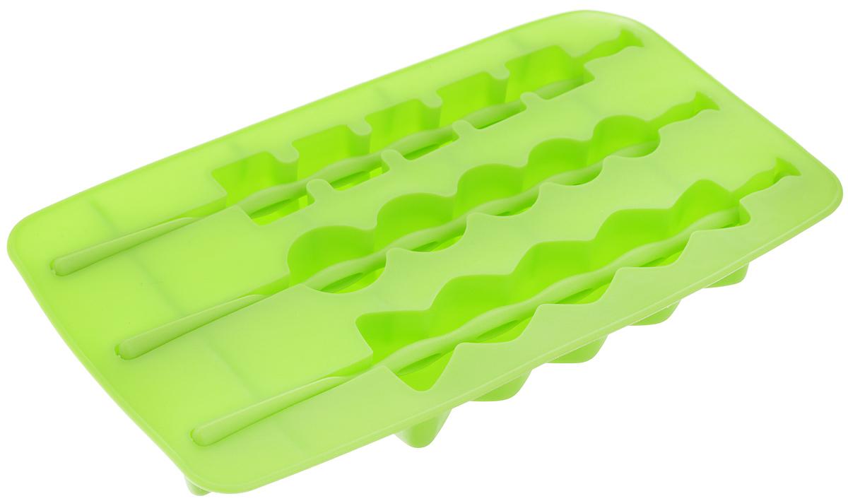 Форма для льда Fackelmann, на палочке, цвет: салатовый, 3 ячейки4630003364517Форма Fackelmann выполнена из силикона и предназначена для приготовления льда на палочке. В комплект входят палочки для льда. Теперь на смену традиционным квадратным пришли новые оригинальные формы для приготовления фигурного льда, которыми можно не только охладить, но и украсить любой напиток. В формочки при заморозке воды можно помещать ягодки, такие льдинки не только оживят коктейль, но и добавят радостного настроения гостям на празднике!Можно мыть в посудомоечной машине.Размер формы: 20 х 11 х 2 см. Средний размер ячейки: 18,5 х 2,5 х 2 см. Количество ячеек: 3 шт. Количество палочек: 3 шт.