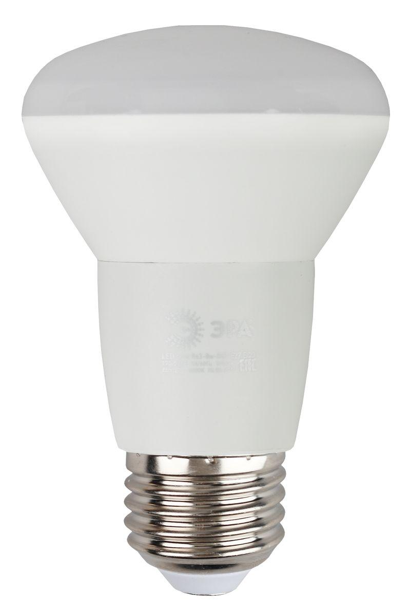 Лампа светодиодная ЭРА, цоколь E27, 170-265V, 8W, 2700КC0038550Светодиодная лампа ЭРА является самым перспективным источником света. Основным преимуществом данного источника света является длительный срок службы и очень низкое энергопотребление, так, например, по сравнению с обычной лампой накаливания светодиодная лампа служит в среднем в 50 раз дольше и потребляет в 10-15 раз меньше электроэнергии. При этом светодиодная лампа практически не подвержена механическому воздействию из-за прочной конструкции и позволяет получить любой цвет светового потока, что, несомненно, расширяет возможности применения и позволяет создавать новые решения в области освещения.Особенности серии Eco:Предназначена для обычного потребителяЦена ниже, чем цена компактной люминесцентной лампыСветовая отдача источников света - 70-80 лм/ВтСрок службы составляет 25000 часовГарантия - 1 год. Работа в цепи с выключателем с подсветкой не рекомендована.