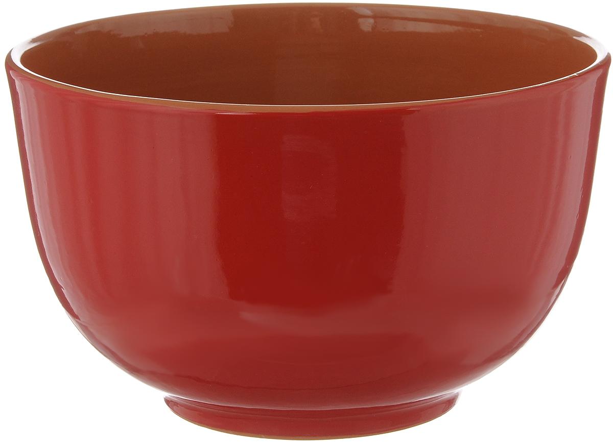 Салатник Борисовская керамика, 2 л. КРС0000085254 009312Салатник Борисовская керамика выполнен из высококачественной керамики с покрытием пищевой глазурью. В качестве сырья использована экологически чистая красная глина. Изделие отлично подходит для сервировки салатов, закусок, овощей и фруктов. Хорошо подходит для разогревания еды в СВЧ, так как долго сохраняет тепло. Такой салатник отлично подойдет для повседневного использования. Он прекрасно впишется в интерьер вашей кухни. Посуда термостойкая, можно использовать в духовке и в микроволновой печи. Диаметр (по верхнему краю): 20 см. Высота стенки: 12,5 см.