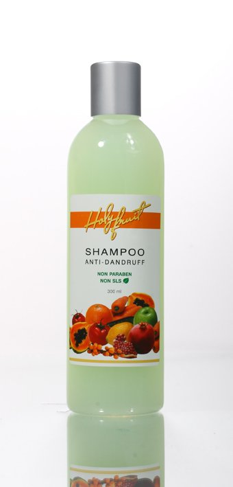 Holy Fruit Шампунь против перхоти Shampoo Anti-Dandruff, 300 мл071-02-1776Шампунь предназначен для решения таких проблем как себорея и себорейный дерматит, повышенное выделение кожного жира, выпадение волос, ранки на коже головы. Соли Мертвого моря нормализуют функции кожи, удаляют омертвевшие клетки и излишки кожного жира, открывают поры. Пиритион цинка и масло чайного дерева оказывают сильнейшее противопсориатическое и бактерицидное действие, подавляют размножение и жизнедеятельность грибков – возбудителей перхоти, подсушивает кожу головы. Экстракты крапивы, шалфея, камелии, масло розмарина и облепихи усиливают лечебные свойства шампуня, стимулируют рост, увлажняю корни волос.Постоянное применение шампуня способствует восстановлению функции сальных желез, ускоряет процесс регенерации эпидермиса, препятствует выпадению волос. Особенно рекомендуется для ухода за жирными волосами.