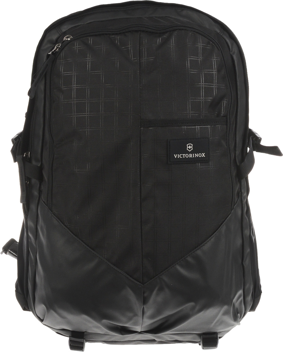 Рюкзак Victorinox Altmont 3.0. Deluxe Backpack, цвет: черный, 30 л + ПОДАРОК: нож-брелок Escort32388001Городской рюкзак Victorinox Altmont 3.0 Deluxe функционален и практичен. Он выполнен из высококачественного нейлона. Рюкзак имеет 2 вместительных отделения, закрывающихся на застежки-молнии, которые отлично подойдут для персональных вещей и документов.Характеристики и свойства:Мягкое отделение для ноутбука диагональю 17 (43 см). Мягкие карманы для электронных устройств диагональю 10 (25 см) для безопасного хранения iPad, Kindle, планшета или электронной книги.Внутренняя организационная секция включает в себя сетчатый карман на молнии по всей длине, двойные карманы для хранения, кармашки для ручек и карабин для ключей.Внешняя организационная секция включает в себя скрытый карман, лицевой прорезной карман, многофункциональные растяжные боковые карманы, идеально подходящие для бутылки с водой или зонтика.Регулируемый нагрудный ремень и поясные ремни равномерно распределяют вес.Поясные ремни удобно прячутся за задней стенкой, когда не используются. Прессованная задняя стенка и прессованные регулируемые плечевые ремни для максимального комфорта.В комплекте небольшой складной нож, включающий в себя лезвие, пилку для ногтей, пинцет и пластиковую зубочистку.Длина ножа в сложенном виде: 5,8 см.Длина лезвия: 4 см.