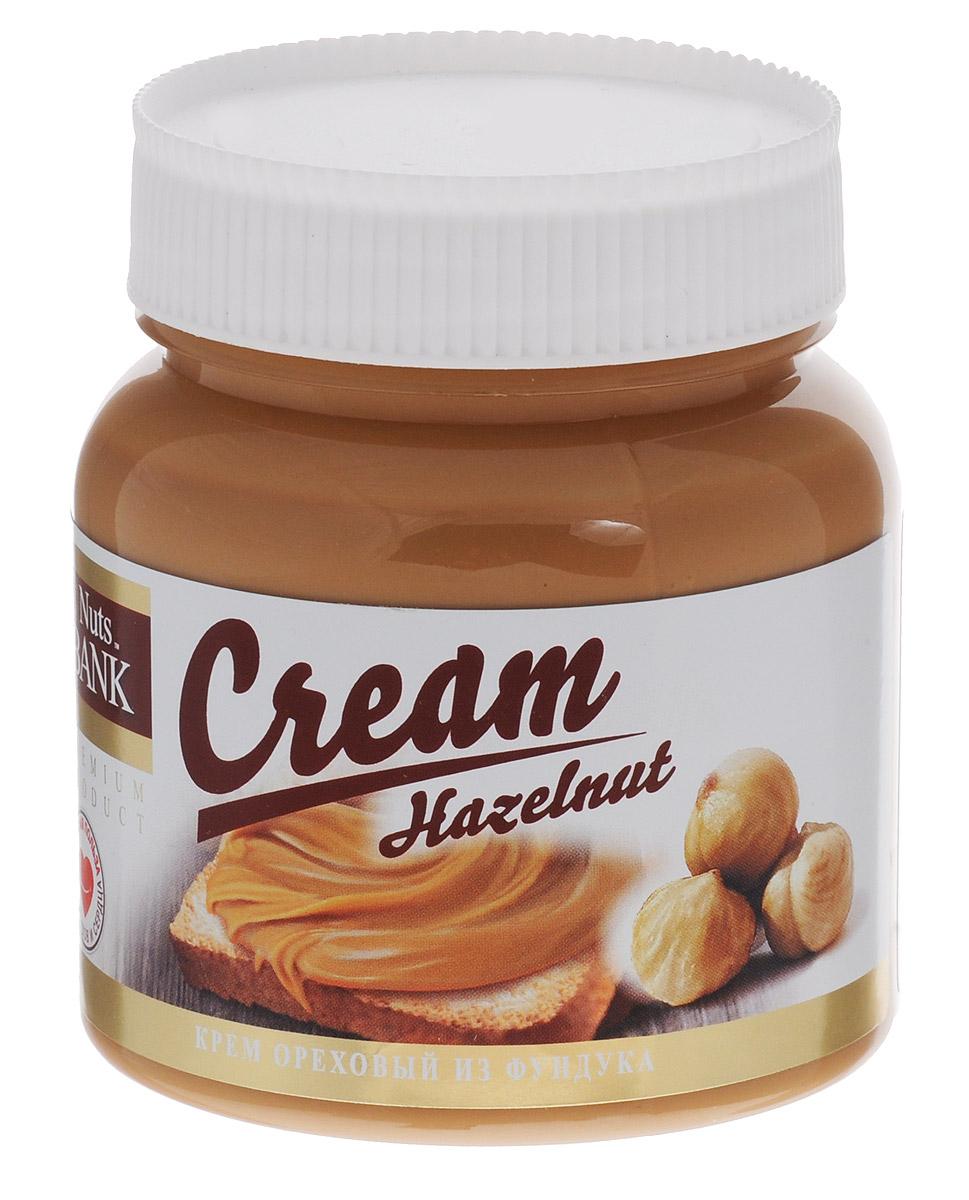 Nuts Bank Крем ореховый из фундука, 250 гU921446Ореховый крем из фундука — это очень нежный, ароматный крем с содержанием 40% фундука тертого. Фундук – это отличный источник энергии, он содержит масла, которые состоят из органических кислот. Также в нем белок, протеин, углеводы, витамины В1, В2, В6, Е и целый спектр полезных минеральных веществ: калий, кальций, магний, натрий, цинк, железо. Он особенно ценен для людей повышенного физического труда, так как уникальное сочетание витамина Е и белка в орехе, благотворно влияет на рост и развитие мышечных тканей. Фундук во все времена считался источником счастья и здоровья.