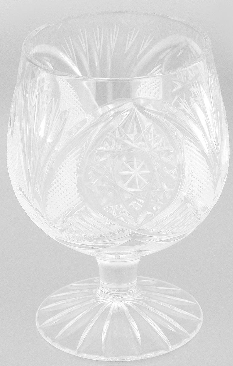 Бокал Дятьковский Хрусталь Азалия, 175 млVT-1520(SR)Бокал Дятьковский Хрусталь Азалия, изготовленный из высококачественного прочного хрусталя, отлично дополнит вашу коллекцию посуды. Изделие декорировано красивым рельефом, отличается изысканным дизайном и высоким качеством исполнения. Бокал предназначен для бренди или коньяка. Красота всегда современна. Поэтому хрустальные бокалы продолжают быть желанным подарком, украшением интерьера и праздничного стола даже в эпоху хай-тека. Хрусталь несет ощущение праздничности, подчеркивает комфорт и порой даже придает интерьеру некую аристократичность. Диаметр (по верхнему краю): 6 см. Высота: 10 см. Диаметр основания: 5,5 см.