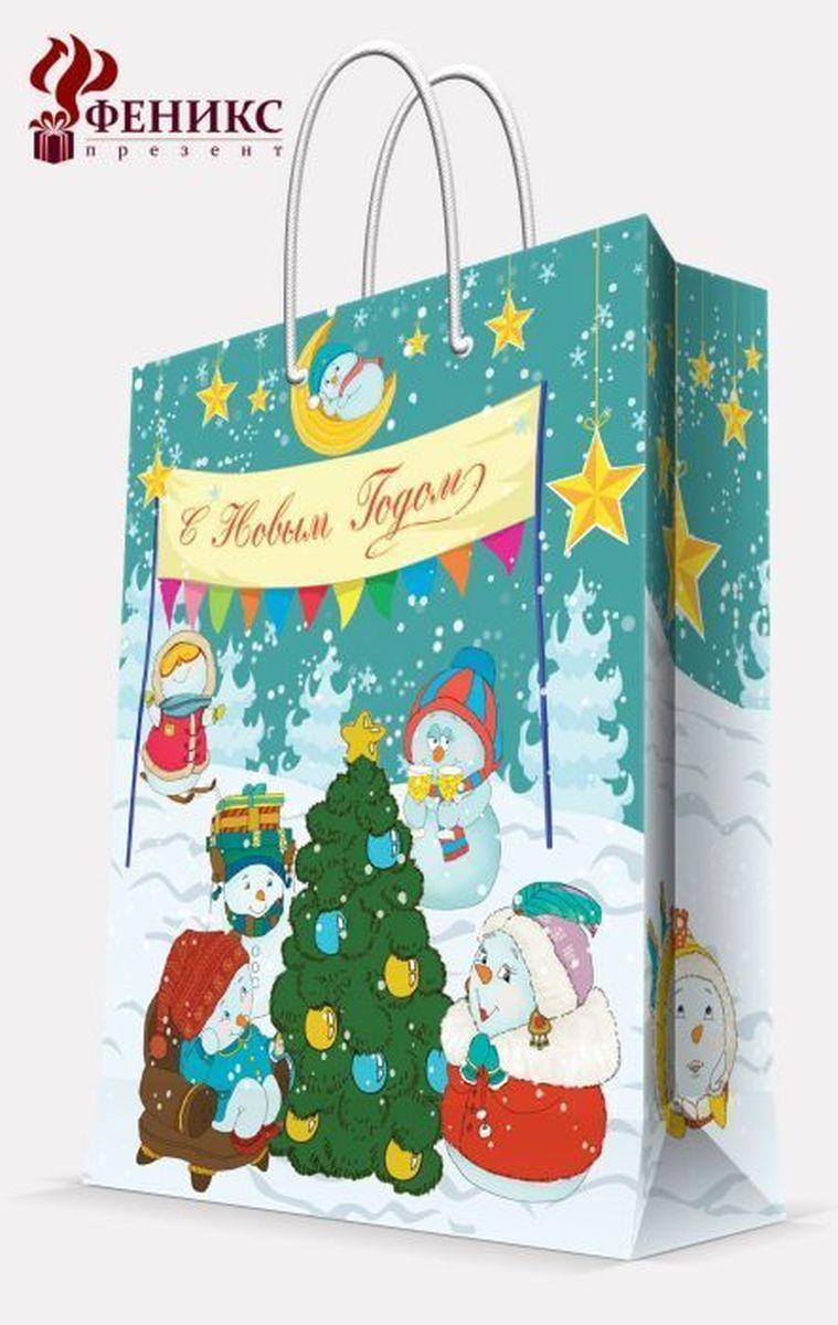 Пакет подарочный Magic Time Снеговики с елочкой, 26 х 32,4 х 12,7 смRSP-202SПодарочный пакет Magic Time Снеговики с елочкой, изготовленный из плотной бумаги, станет незаменимым дополнением к выбранному подарку. Пакет выполнен с глянцевой ламинацией, что придает ему прочность, а изображению - яркость и насыщенность цветов. Для удобной переноски на пакете имеются две ручки из шнурков.Подарок, преподнесенный в оригинальной упаковке, всегда будет самым эффектным и запоминающимся. Окружите близких людей вниманием и заботой, вручив презент в нарядном, праздничном оформлении.Плотность бумаги: 140 г/м2.