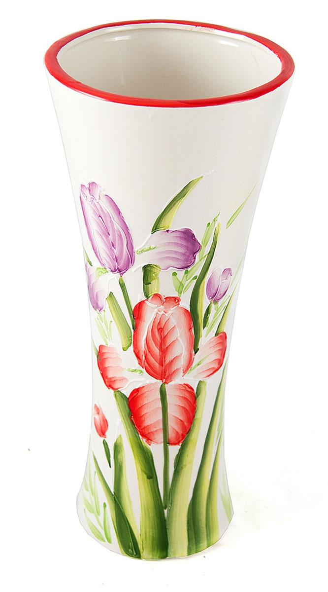 Ваза Русские Подарки, высота 30 см. 214550DSG023Ваза Русские Подарки, выполненная из керамики, украсит интерьер вашего дома или офиса. Оригинальный дизайн и красочное исполнениесоздадут праздничное настроение.Такая ваза подойдет и для цветов, и для декора интерьера. Кроме того - это отличный вариант подарка для ваших близких и друзей.Правила ухода: регулярно вытирать пыль сухой, мягкой тканью.Размер вазы: 13 х 13 х 30 см.