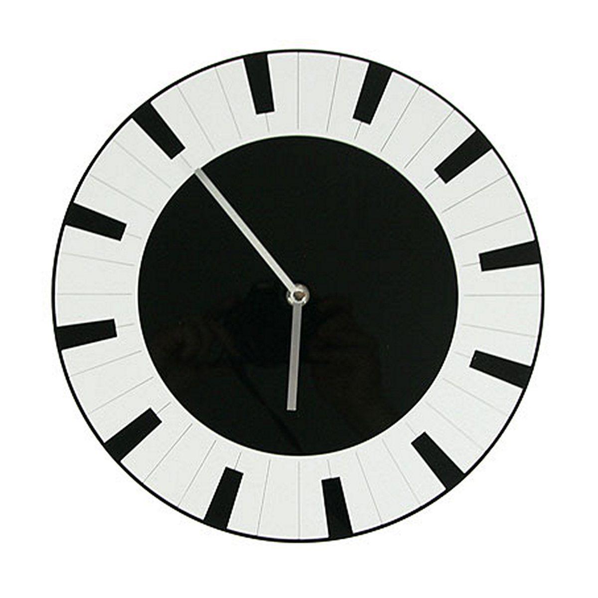 Часы настенные Русские Подарки, диаметр 30 см. 12241925051 7_желтыйНастенные кварцевые часы Русские Подарки изготовлены из полиамида. Часы имеют две стрелки - часовую и минутную. С обратной стороны имеетсяпетелька для подвешивания на стену.Изящные часы красиво и оригинально оформят интерьер дома или офиса. Также часы могут стать уникальным, полезным подарком для родственников, коллег, знакомых и близких.Часы работают от батареек типа АА (в комплект не входят).
