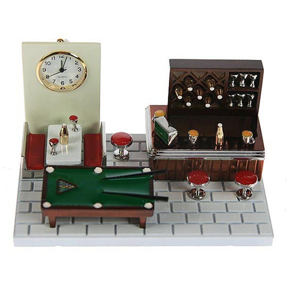 Часы настольные Русские Подарки Бар, 11 х 7 х 6 см. 2240594672Настольные кварцевые часы Русские Подарки Бар изготовлены из металла, циферблат защищен стеклом. Корпус оригинально оформлен в виде барной стойки с бильярдным столом. Часы имеют три стрелки - часовую, минутную и секундную.Такие часы украсят интерьер дома или рабочий стол в офисе. Также часы могут стать уникальным, полезным подарком для родственников, коллег, знакомых и близких.Часы работают от батареек типа SR626 (в комплект не входят).