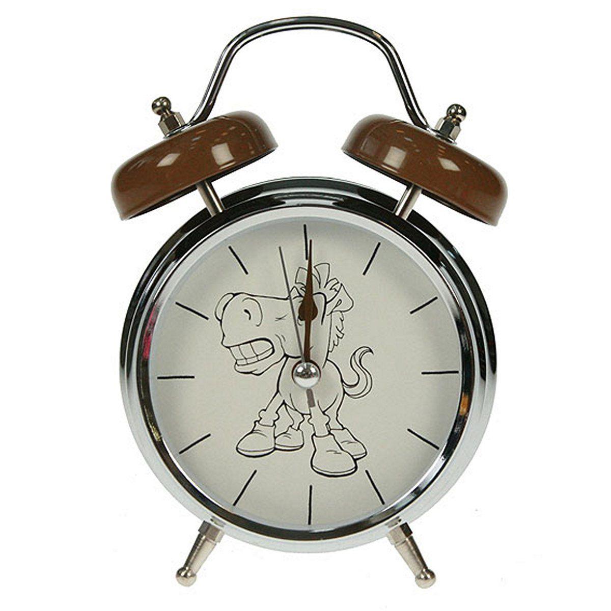 Часы настольные Русские Подарки Лошадь, с функцией будильника, 12 х 6 х 17 см. 23241794672Настольные кварцевые часы Русские Подарки Лошадь изготовлены из металла, циферблат защищен стеклом. Оригинальное оформление в виде смешной лошадки поднимет настроение, а благодаря функции будильника вы проснетесь вовремя. Часы имеют три стрелки - часовую, минутную и секундную.Такие часы украсят интерьер дома или рабочий стол в офисе. Также часы могут стать уникальным, полезным подарком для родственников, коллег, знакомых и близких.Часы работают от батареек типа АА (в комплект не входят).