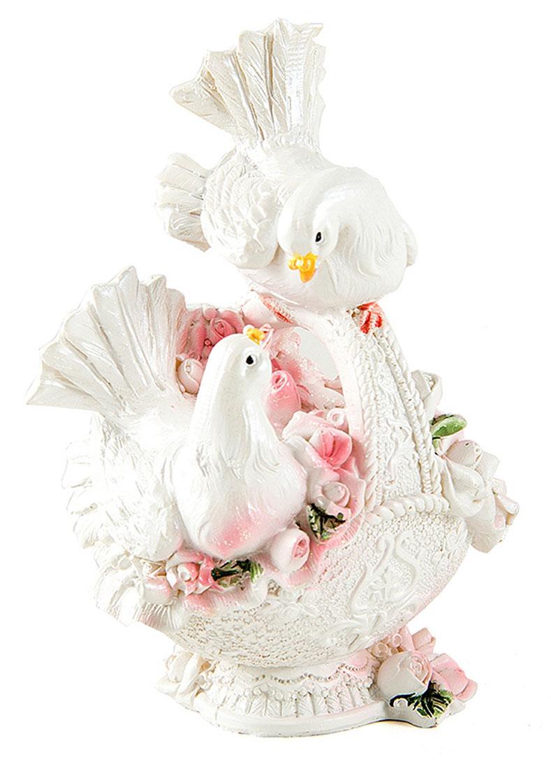 Фигурка декоративная Win Max Свадебные голуби, 10 х 7 х 13 смБрелок для ключейДекоративная фигурка Win Max Свадебные голуби изготовлена из полистоуна. Изделие представляет собой фигурку двух голубей. Такая фигурка идеально впишется в свадебный интерьер в качестве украшения и будет радовать вас своим видом в самый важный день в вашей жизни.