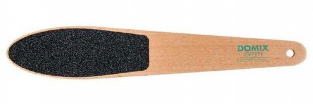 Domix Green Professional Терка абразивная педикюрная прямая двусторонняя95922Профессиональная двусторонняя деревянная терка для индивидуального педикюра DOMIX Green Professional применяется для быстрого и качественного удаления мозолей и натоптышей на стопе. Абразив на обеих сторонах терки имеет различную зернистость. Сторона с более крупной зернистостью необходима для первоначальной обработки кожи, более мелкий абразив применяется для завершающей стадии обработки.