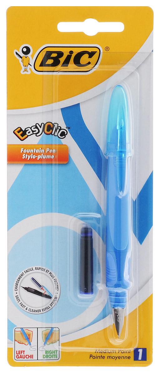 Bic Ручка перьевая Easy Click Classic цвет корпуса голубой2010440Перьевая ручка Easy Click Classic в эргономичном пластиковом корпусе станет отличным подарком, как школьнику, так и взрослому человеку. Перо из стали обеспечивает равномерную подачу чернил. Стальной иридиевый пишущий узел позволяет чертить линии толщиной 0,5 мм. Ручка дополнена колпачком с удобным клипом. Ручка одинаково удобна для письма как левой, так и правой рукой. Ручка снабжена инновационной удобной системой замены картриджа. В комплекте с ручкой имеется картридж с синими чернилами.