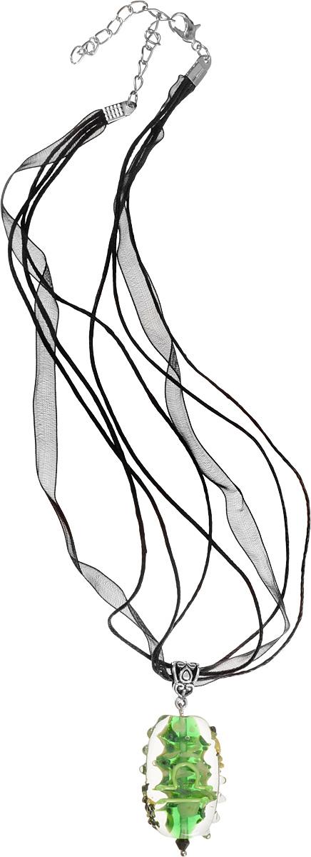 Кулон Знак зодиака - Весы (Стекло, металл) - Авторская работаБрошь-кулонВысота кулона 4 см, ширина 2,5 см.Материал: Стекло, металл, кристаллы. Цвет: Зеленый, желтый.Автор: Ольга Букина.Элегантный кулон со знаком Зодиака Весы - стихия воздуха, кулон выполнен в сочном зеленом цвете, знак Весов выполнен светло-зеленым, неоновым цветом.Рожденная под знаком Весов - сама элегантность. Она в восторге от красивых вещей, но они не самоцель для нее. Она чувствительна, вулкан эмоций. Женщина-Весы чрезвычайно привлекательна, главное для нее - любовь. Она способна улучшить реальность любого человека и превратить в приличный дом любую трущобу.Это украшение - очень необычная вещь, к которым так тянутся Весы.УВАЖАЕМЫЕ КЛИЕНТЫ!Каждое украшение выполнено вручную и потому уникально. Ваше украшение может несколько отличаться в деталях от представленного на фотографии. Общий вид украшения сохраняется.
