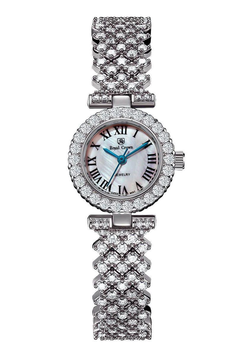 Часы наручные женские Royal Crown, цвет: серебристый. 6305-RDM-5BM8434-58AEНаручные кварцевые часы Royal Crown выполнены из высококачественного металла и оформлены вставками из страз. Браслет оснащен удобной металлической застежкой, которая надежно зафиксирует изделие на запястье. Часы оснащены минеральным, устойчивым к царапинам, стеклом с сапфировым напылением и задней крышкой из гипоаллергенной нержавеющей стали.