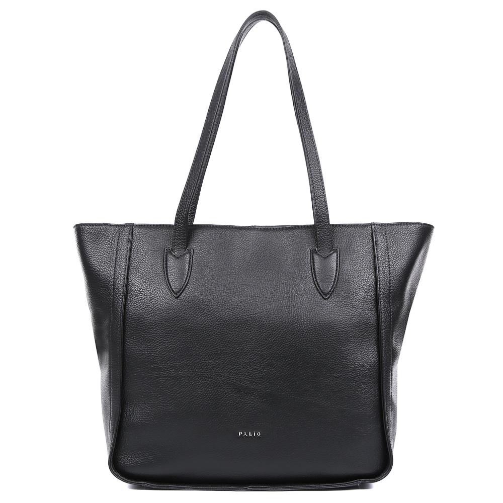 Сумка женская Palio, цвет: черный. 14572A1-0183-47670-00504Изысканная женская сумка Palio выполнена из натуральной плотной кожи, которая держит форму и имеет мягкую и пористую фактуру. Элегантный темно-синий цвет, изящное крепление ручек и яркая фурнитура, выполненная в золотом цвете,- такой дизайн непременно дополнит любой современный образ. Ультрамодная комбинация разных типов кож, элегантная вставка под рептилию позволит вам подчеркнуть свой уникальный вкус. Сумка имеет одно вместительное отделение, которое разделено карманом на молнии. Внутри аксессуара вы с легкостью расположите свой сотовый телефон и другие женские мелочи за счет удобных карманов. На тыльной стороне модели дизайнеры разместили вместительный карман, который закрывается на стильную молнию с кожаным поводком. Сумка с легкостью вмещает формат A4.