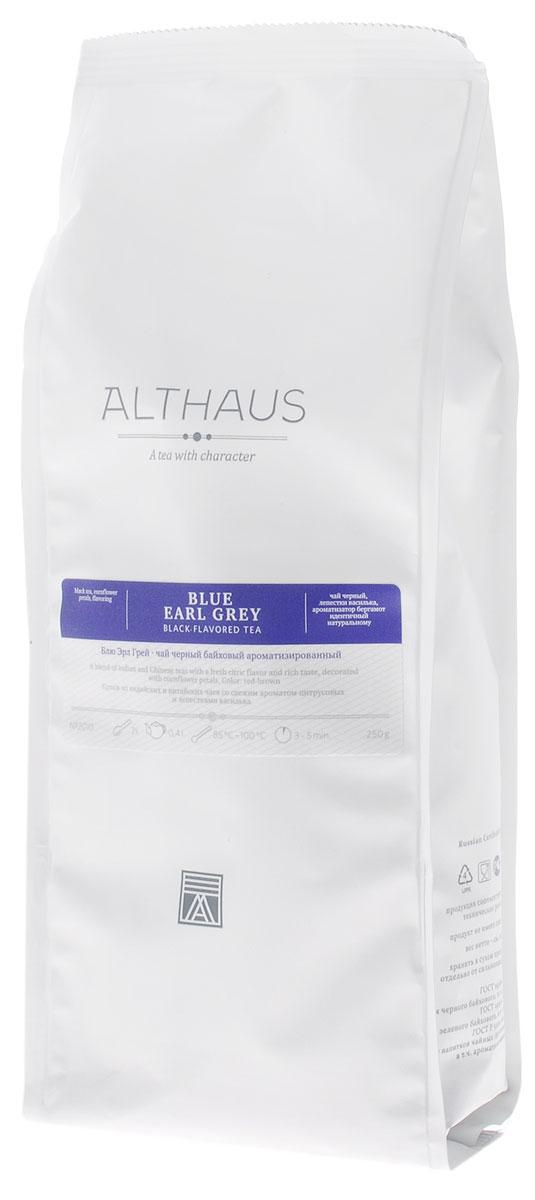 Althaus Blue Earl Grey черный листовой чай, 250 г4791029004778Althaus Блю Эрл Грей — необычная вариация на тему традиционного купажа Эрл Грей, составленного на основе крепких цейлонских и индийских чаев с добавлением душистого масла бергамота. В этой уникальной композиции классическая строгость черного чая гармонично сочетается со свежим цитрусовым ароматом и смягчается тонкими цветочными нотками утреннего василька. В элегантном купаже Блю Эрл Грей чаинки отличаются красивой уборкой, а их глубокий, темный цвет выразительно оттеняется изящными лепестками небесно-синего василька. Бергамотовое масло — это ароматическое масло, получаемое из цедры особой цитрусовой культуры. Эфирные масла апельсина-бергамота по-новому раскрывают насыщенный вкус чая. В чайном букете появляются пряная сладость и свежесть апельсиновой рощи, пикантная лимонная кислинка и неповторимая яркость послевкусия. Оптимальная температура заваривания Блю Эрл Грей 95°С. Температура воды: 85-100 °СВремя заваривания: 3-5 минЦвет в чашке: красновато-коричневый