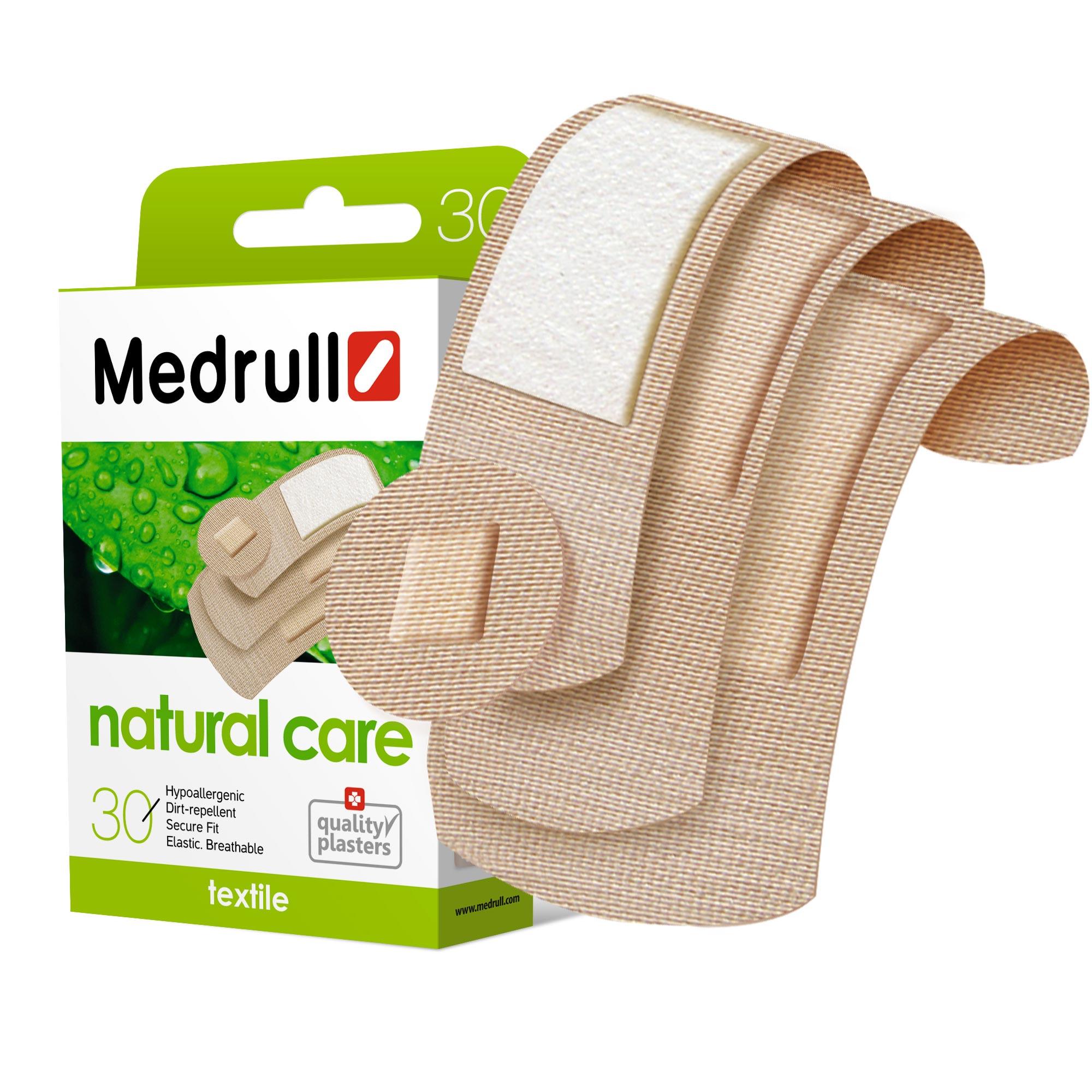 Medrull Набор пластырей Natural Care, №304260071590039Гипоаллергенные пластыри, предназначенные для людей, кожа которых, чувствительна к факторам окружающей среды. Пластыри изготовлены из приятного для кожи эластичного,текстильного материала, в состав которого входит - 65% хлопок, 35% полиамид, благодаря чему, возможность появления аллергии снижена до минимума. Свойства пластыря: грязенепроницаемые, гипоаллергенные, эластичные, дышащие, плотно прилегающие. Абсорбирующая подушечка изготовлена из вискозы и обладает высокой впитываемостью. Верхняя часть подушечки обработана полипропиленом, что защищает от вероятности прилипания пластыря к поврежденной поверхности кожи.