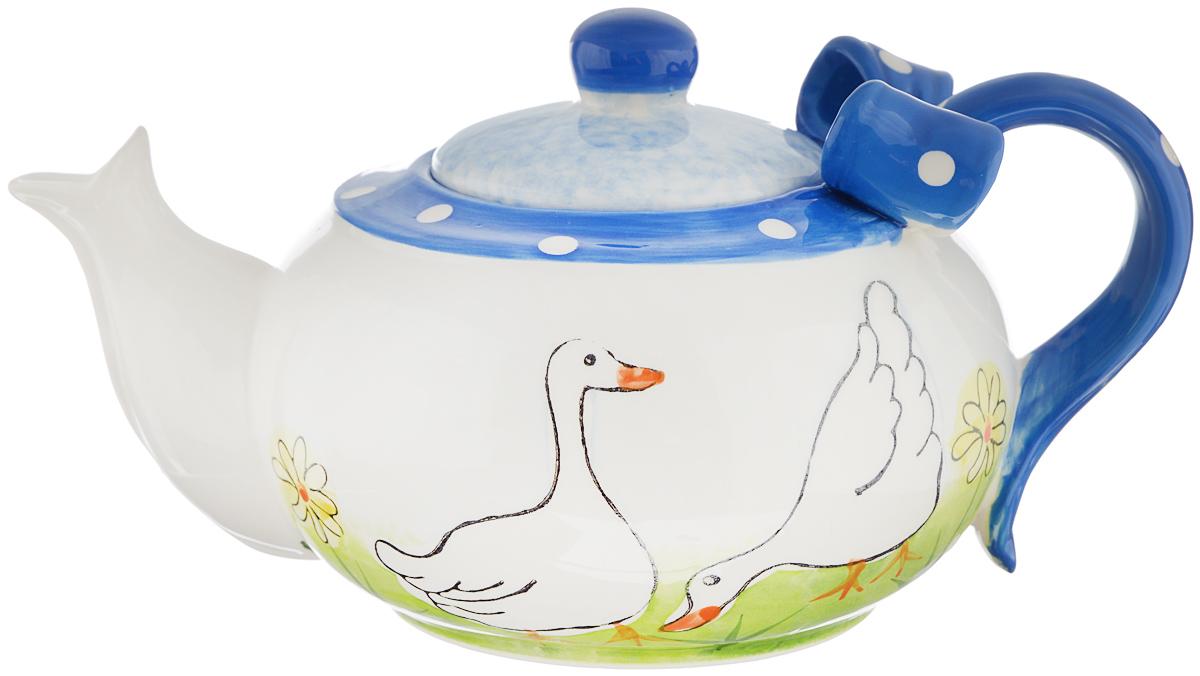 Чайник заварочный Lillo Гуси, 950 мл115510Заварочный чайник Lillo Гуси сочетает в себе изысканный дизайн с максимальной функциональностью. Чайник выполнен из высококачественной керамики. Ручка чайника оформлена объемным бантиком, а сам чайник - оригинальным рисунком. Красочность оформления придется по вкусу и ценителям классики, и тем, кто предпочитает утонченность и изысканность.Объем: 950 мл.Диаметр (по верхнему краю): 14,5 см. Высота (без учета крышки): 9 см.