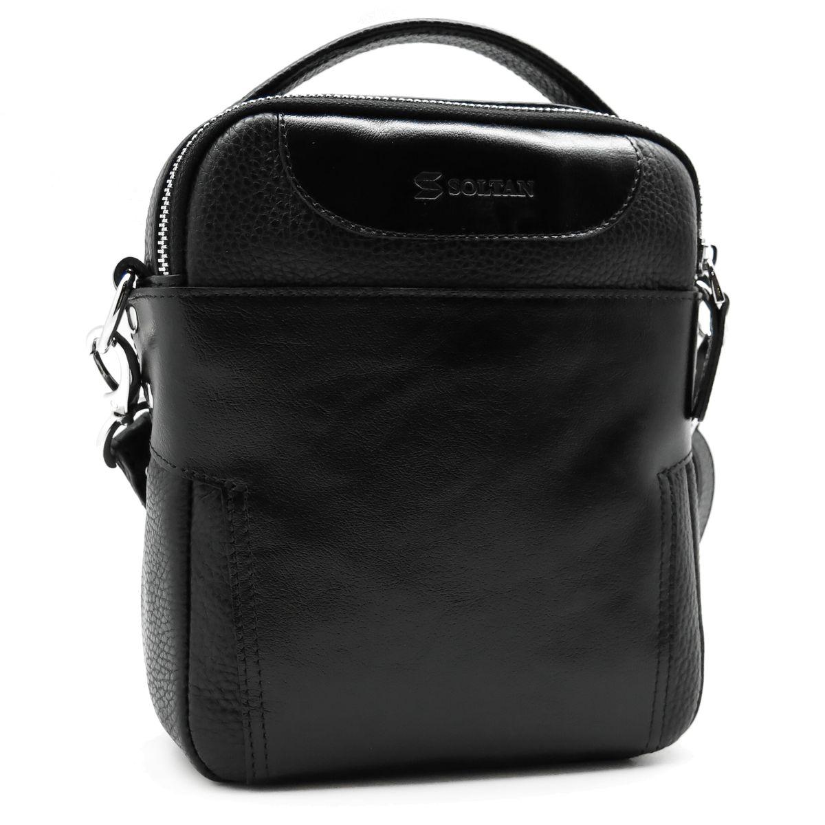 Сумка мужская Soltan, цвет: черный. 805М 03/01 0110130-11Мужская сумка Soltan выполнена из натуральной кожи. Модель имеет одно большое отделение, внутри карман на молнии. Спереди и сзади дополнительные карманы. Кожаный плечевой ремень регулируется по длине, крепится на карабины.
