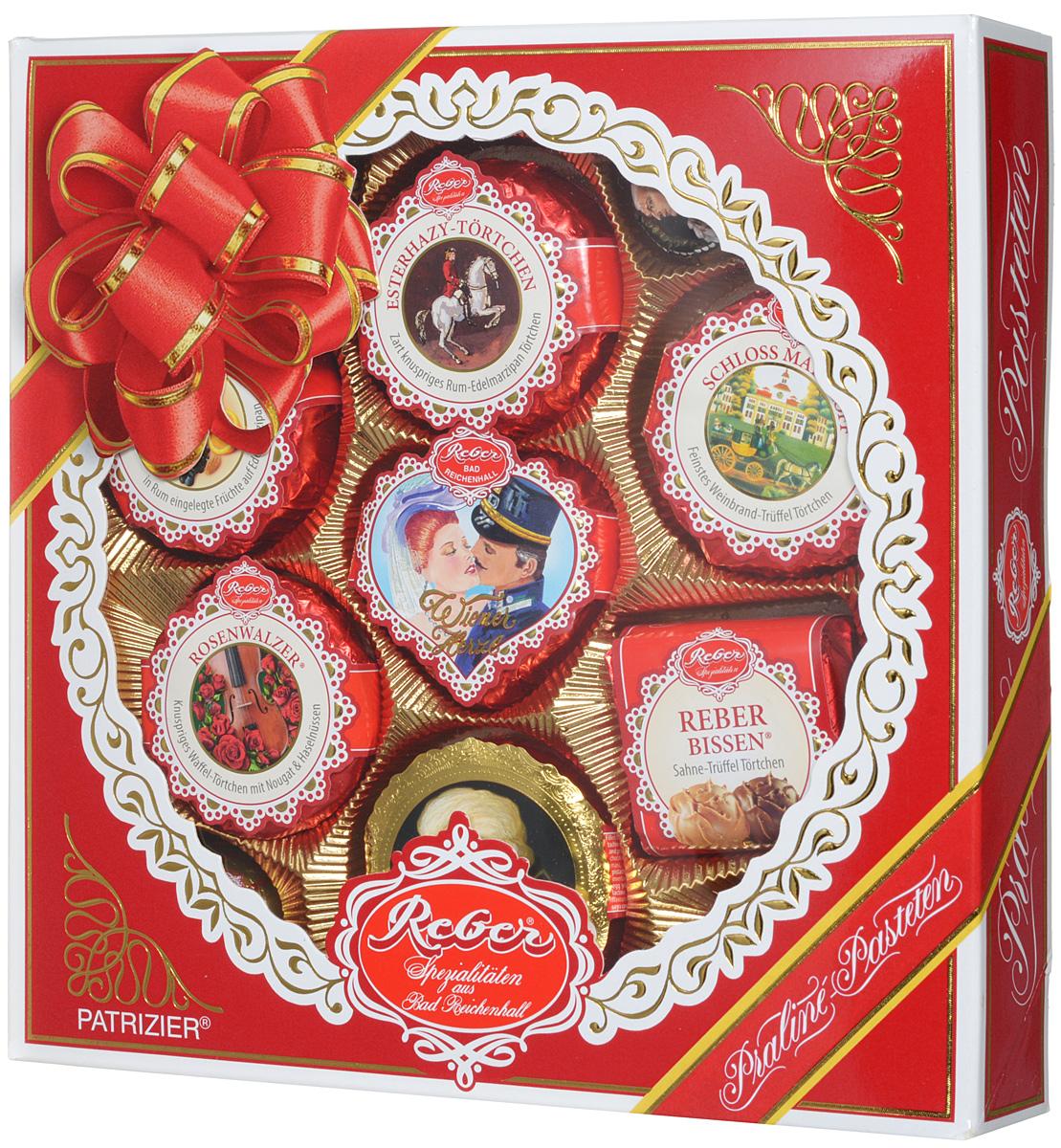 Reber Mozart Patrizier подарочный набор шоколадных конфет, 340 г12285542Шоколадные конфеты Reber Mozart Patrizier - это не просто конфеты, это настоящие кондитерские шедевры. Впервые конфеты Ребер Моцарт были выпущены в 1890 году, через 100 лет после смерти великого Моцарта, и сразу завоевали невероятную популярность. Известные своим исключительным качеством, оригинальностью и изысканным дизайном, шоколадные деликатесы Reber в форме небольших подарочков - это настоящие драгоценности для ценителей.