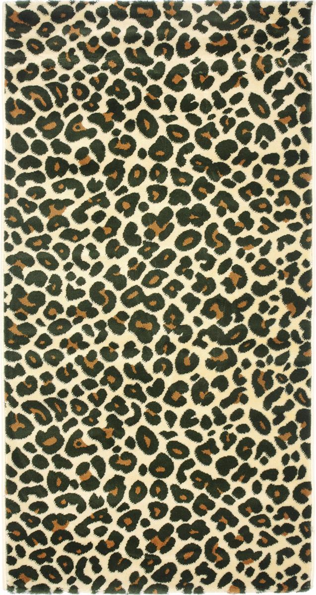 Ковер Kamalak Tekstil, прямоугольный, 80 x 150 см. УК-0393U210DFКовер Kamalak Tekstil изготовлен из прочного синтетического материала heat-set, улучшенного варианта полипропилена (эта нить получается в результате его дополнительной обработки). Полипропилен износостоек, нетоксичен, не впитывает влагу, не провоцирует аллергию. Структура волокна в полипропиленовых коврах гладкая, поэтому грязь не будет въедаться и скапливаться на ворсе. Практичный и износоустойчивый ворс не истирается и не накапливает статическое электричество. Ковер обладает хорошими показателями теплостойкости и шумоизоляции. Оригинальный рисунок позволит гармонично оформить интерьер комнаты, гостиной или прихожей. За счет невысокого ворса ковер легко чистить. При надлежащем уходе синтетический ковер прослужит долго, не утратив ни яркости узора, ни блеска ворса, ни упругости. Самый простой способ избавить изделие от грязи - пропылесосить его с обеих сторон (лицевой и изнаночной). Влажная уборка с применением шампуней и моющих средств не противопоказана. Хранить рекомендуется в свернутом рулоном виде.