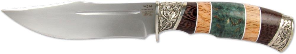 Нож Ножемир Дежнев, булатная сталь, с ножнами, общая длина 27,5 см. (5485)б111135_royal/navyНож Ножемир Дежнев обладает необычной внешностью и отличным набором рабочих характеристик. Прежде всего, обращает на себя внимание рукоять ножа, которая выполнена наборным способом из древесины разных цветов. Благодаря такому приему, рукоять имеет свой неповторимый рисунок. Рукоять украшена мельхиоровыми элементами, которые делают нож еще более привлекательным. Клинок ножа изготовлен из легендарной булатной стали, что обеспечивает ножу хорошо контролируемый рез. Ножны из натуральной кожи украшены декоративным тиснением с изображением волка.Общая длина ножа: 27,5 см.Твердость стали: 62-64 HRC.