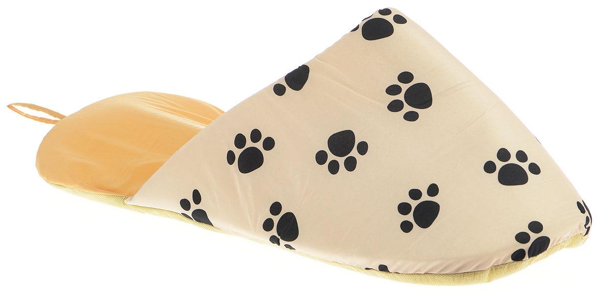 Лежанка для животных Pet Fun Тапок, цвет: бежевый, черный, 65 х 28 х 20 см0120710Лежанка для животных Pet Fun Тапок, выполненная из полиэстера, поддерживает температурный баланс вашего питомца и зимой, и летом. Она имеет оригинальный дизайн в виде тапка. Наполнитель выполнен из поролона. Лежанка легко складывается для хранения и перевозки. Изделие оснащено петелькой для подвешивания.Только ручная стирка при температуре 30°С.