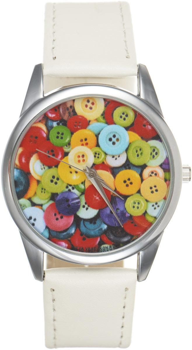 Часы наручные женские Mitya Veselkov Пуговицы, цвет: белый, мультиколор. MV.White-62BM8434-58AEОригинальные часы Mitya Veselkov Пуговицыпонравятся вам с первого взгляда. Корпус часов выполнен из стали, и дополнен задней крышкой. В центре корпуса располагаются круглые кварцевые часы с тремя стрелками. Циферблат оформлен оригинальным принтом с изображением пуговиц. Часы оснащены кожаным ремешком, который фиксируется с помощью пряжки. Часы упакованы в фирменную упаковку в виде стакана. Такие часы станут отличным подарком человеку, любящему качественные и оригинальные вещи.