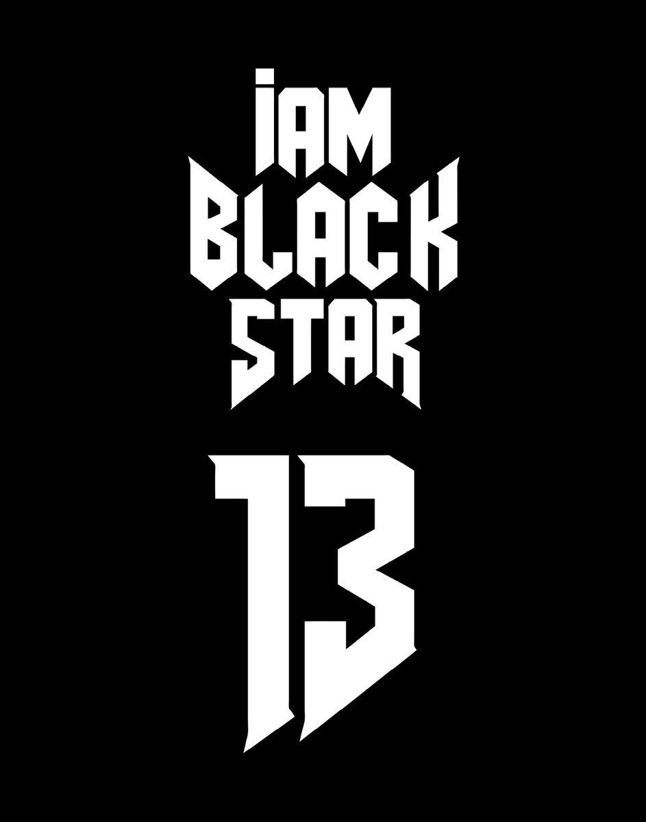 Black Star Тетрадь Black Star 13 48 листов в клетку72523WDТетрадь I Am Black Star 13 - одна из 4-х черных тетрадок официальной коллекции с эксклюзивным дизайном. Дерзкий и одновременно лаконичный дизайн для тех, кто не боится бросать вызов и уверен в себе.Обложка, выполненная из картона, позволит сохранить тетрадь в аккуратном состоянии на протяжении всего времени использования. Внутренний блок тетради, соединенный двумя металлическими скрепками, состоит из 48 листов белой бумаги. Стандартная линовка в клетку дополнена полями.
