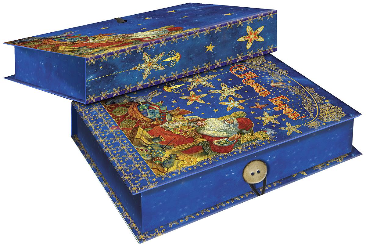 Коробка подарочная Magic Time Мастерская Деда Мороза, 18 х 12 х 5 см. 41790NLED-454-9W-BKПодарочная коробка Magic Time Мастерская Деда Мороза, выполненная из мелованного, ламинированного картона, закрывается на пуговицу. Крышка оформлена декоративным рисунком.Подарочная коробка - это наилучшее решение, если вы хотите порадовать ваших близких и создать праздничное настроение, ведь подарок, преподнесенный в оригинальной упаковке, всегда будет самым эффектным и запоминающимся. Окружите близких людей вниманием и заботой, вручив презент в нарядном, праздничном оформлении.Плотность картона: 1100 г/м2.