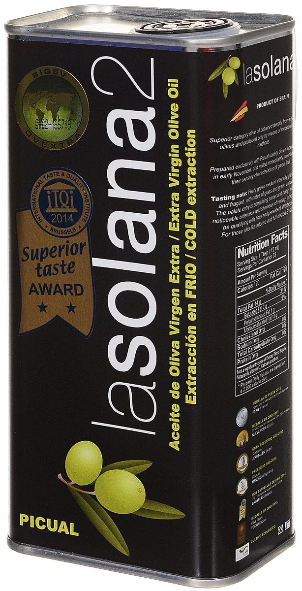 Lasolana2 масло оливковое Extra Virgin, 0,5 л (ж/б)8437014616026Lasolana2 Extra Virgin - нерафинированное зеленое органическое оливковое масло кислотностью 0,1%, которое произведено фермером Кристобалем Санчес де Аран в высокогорной части провинции Алмерия, Коммунидада Андалусия из оливок сорта Пикуаль. Для Кристобаля производство масла - хобби, а не способ заработать денег. Когда твой бизнес – это хобби, то прежде всего думаешь о качестве и о гордости за свое дело, за свою фамилию. Поэтому масло Кристобаля такое качественное.В год Кристобаль производит около двух с половиной тонн масла. Его оливковая роща находится в зоне сертифицированного органического земледелия, в засушливой, пустынной высокогорной части Андалусии. Масло Lasolana2 является победителем и лауреатом многих престижных международных конкурсов оливкового масла. Кристобаль очень гордится своей малой родиной; название своему продукту он дал по адресу дома, в котором он родился, на улице La Solana 2.Самым большим преимуществом этого масла является очень ранний сбор оливок, когда они еще зеленые, поэтому оно имеет натуральный изумрудный цвет. Содержание масла в зеленых оливках низкое, поэтому этот продукт очень дорогой. Зато в нем много полифенолов, оно имеет свежий аромат и низкую кислотность, а именно, 0,1%, что весьма полезно для здоровья.Оливки Picual (Пикуаль) — это один из наиболее важных и популярных испанских сортов оливок и один из лучших для производства оливкового масла. Около 50 % всех оливок, выращенных в Испании, относятся к этому сорту. Созревают они в ноябре — декабре. Их популярность объясняется большим содержанием жирных кислот и антиоксидантов. Оливковое масло Picual содержит больше олеиновой кислоты (Омега-9) почти на 10% по сравнению с другими маслами, а также имеет фруктовый вкус и аромат.