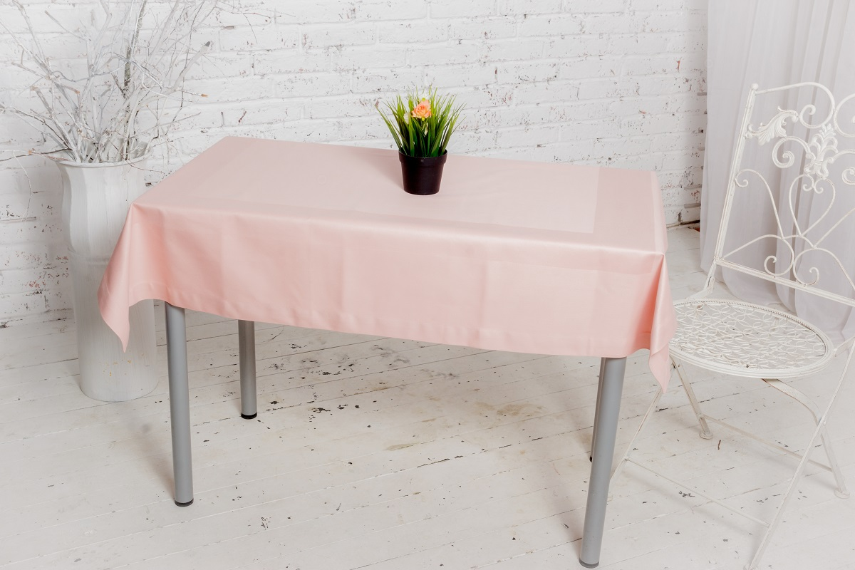 Скатерть Гаврилов-Ямский Лен, прямоугольная, цвет: розовый, 135 x 140 смVT-1520(SR)Однотонная скатерть из хлопка высокой плотности с жаккардовой выделкой по периметру.