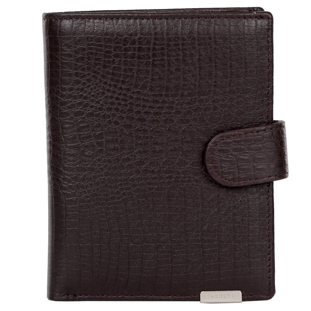 Кошелек мужской Fabretti, цвет: темно-коричневый. 475031-022_516Элегантный мужской кошелек от итальянского бренда Fabretti выполнен из натуральной кожи с ярким тиснением под рептилию. Фурнитура выполнена в серебряном цвете. Внутри модели находится 1 отделение для купюр. Вы с легкостью сможете расположить 5 дисконтных и кредитных карточек, а также всю мелочь с помощью удобного кармана. Кошелек закрывается на прочную застежку.
