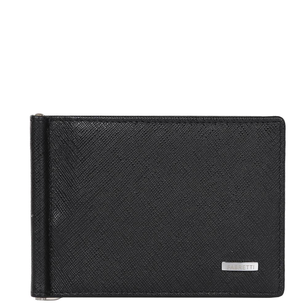 Зажим для денежных банкнот мужской Fabretti, цвет: черный. 32006-black saf495350нКлассический мужской кошелек от итальянского бренда Fabretti выполнен из натуральной мягкой кожи с изысканным тиснением сафьяно. Классический черный цвет и фурнитура, выполненная в серебряном цвете, превратили аксессуар в модное изделие, которое подчеркнет ваше уникальное чувство стиля. Внутри находится 1 отделение для купюр. Вы с легкостью сможете расположить 8 дисконтных и кредитных карточек, а также всю мелочь с помощью удобного кармана на тыльной стороне модели. Кошелек закрывается на прочную застежку.