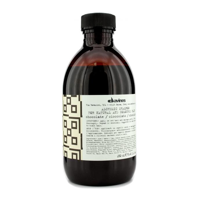 Davines Шампунь Алхимик для натуральных и окрашенных волос Alchemic Shampoo for natural and coloured hair, тон chocolate (шоколад), 280 мл4627089432193Шампунь разработан для волос оттеночный. Он бережно очищает, питая волосы и усиливая их блеск и яркость. В состав средства входят витамины, ухаживающие компоненты и молочные протеины, которые увлажняют волосы, поддерживают их естественную красоту и здоровье. Эффективность шампуня усиливается при совместном использовании медного кондиционера «Алхимик» для окрашенных и натуральных волос.