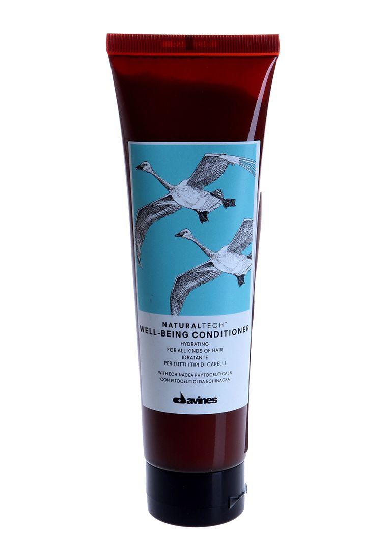 Davines Увлажняющий кондиционер для здоровья волос New Natural Tech Well-Being Conditioner, 150 мл72523WDКондиционер для здоровья волос подходит для ухода за всеми типами волос. В формулу кондиционера входит фитоактив эхинацеи – мощнейший антиоксидант, который содержит множество витаминов и аминокислот, а также кальций, цинк и селен, необходимые для здоровья волос. Эфирные масла мускатного ореха, сандалового дерева и гвоздики питают и укрепляют ваши волосы. рH 4.