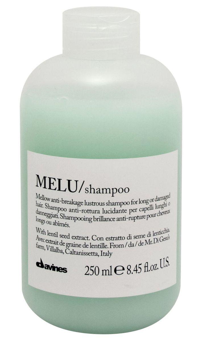 Davines Шампунь для предотвращения ломкости волос Essential Haircare New Melu Shampoo, 250 млSatin Hair 7 BR730MNСпециальная серия для длинных или поврежденных волос. Активный экстракт семян чечевицы восстанавливает и питает локоны. Богатая важными аминокислотами формула защищает локоны. Серин и глютаминовая кислота обеспечивают благоприятное воздействие на кудри, предотвращая их ломкость.