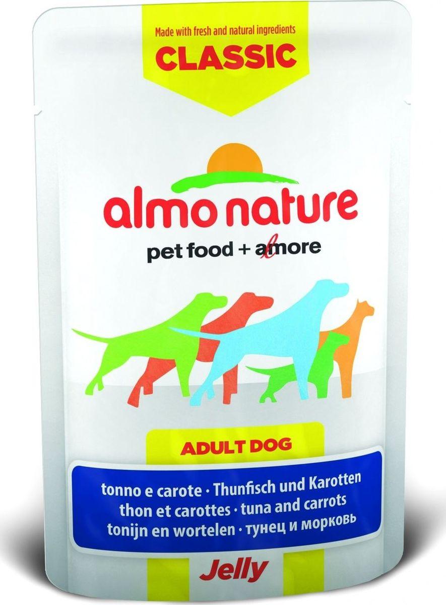 Консервы для собак Almo Nature Classic, тунец и морковь в желе, 70 г0120710Консервы Almo Nature Classic - восхитительно вкусный функциональный влажный корм для собак, содержащий желатин, который является натуральным средством для вывода шерсти из организма животного, помогающий защитить пищеварительный тракт от раздражения, а также он придает корму восхитительно нежную структуру. Консервы приготовлены из самых свежих отборных ингредиентов уровня Human Grade (качество как для людей), являющихся натуральным естественным источником витаминов и микроэлементов. Состав: тунец 55%, бульон из тунца, морковь 5%, рис 0,2%.Пищевая ценность: белки 13%, клетчатка 0.1%, масла и жиры 1%, зола 1%, влажность 84%.Калорийность: 582 ккал/кг.Товар сертифицирован