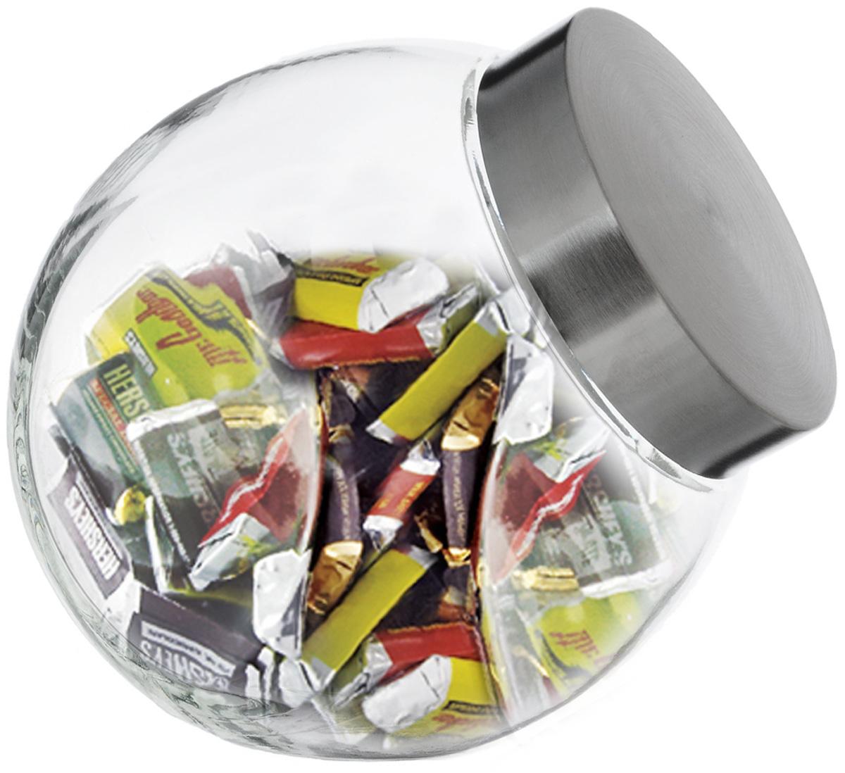 Банка для сыпучих продуктов SinoGlass, 1,73 л9219000Банка для сыпучих продуктов SinoGlass изготовлена из прочного стекла и оснащена плотно закрывающейся крышкой из нержавеющей стали с внутренней пластиковой вставкой. Благодаря этому внутри сохраняется герметичность, и продукты дольше остаются свежими. Изделие предназначено для хранения различных сыпучих продуктов: круп, чая, сахара, орехов и много другого. Функциональная и вместительная банка станет незаменимым аксессуаром на любой кухне. Объем: 1,73 л.Диаметр (по верхнему краю): 10 см.Высота банки (без учета крышки): 17,5 см.