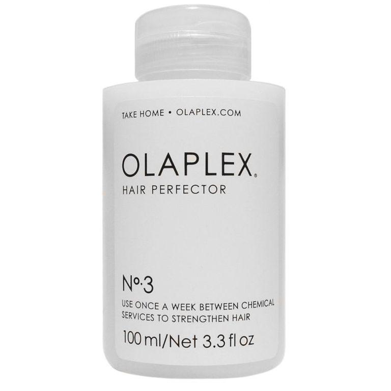 Olaplex Эликсир «Совершенство волос» №3 Hair Perfector - 100 млMP59.4DНair Perfector №3 — это эликсир «Совершенство Волос». Применяется в домашних условиях для сохранения эффекта, полученного после воздействия профессиональных препаратов. Даже единичная процедура (рекомендуемая частота использования ? 1 раз в неделю) позволяет защитить волосы от повседневных механических (резинками, зажимами, заколками), термических и химических повреждений. Нair Perfector эффективен также в качестве укрепляющего средства, уменьшающего вред от последующего окрашивания и других салонных процедур.