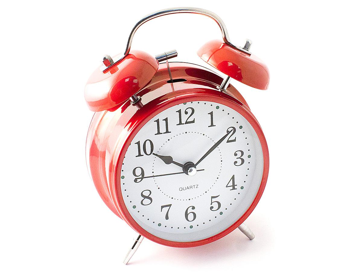 Часы настольные Эврика, цвет: красный, диаметр 10 см97495Чтобы утро было по-настоящему добрым, встречайте его с веселым будильником. Классический дизайн будильника с металлическим молоточком и двумя колокольчиками впишется в любую обстановку.Питание осуществляется от 2 батареек тип АА (пальчики).Встроенная подсветка включается кнопкой на задней панели.Тип хода стрелок прямой, тип механизма - тикающий.