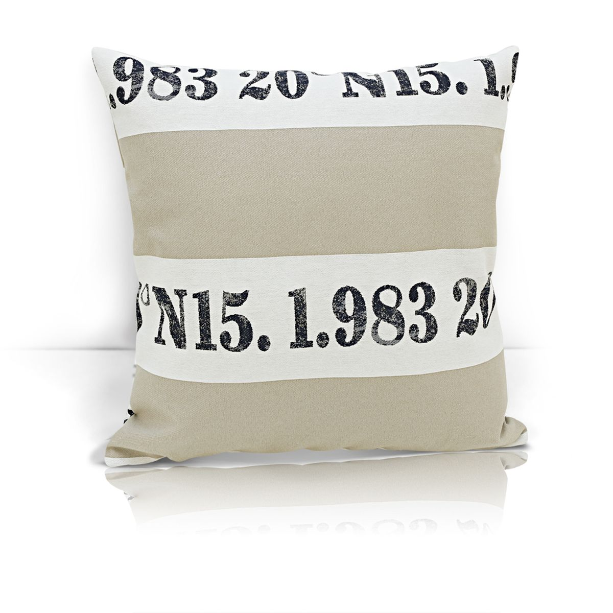 Подушка декоративная KauffOrt Лофт, 40 x 40 смS03301004Декоративная подушка Лофт прекрасно дополнит интерьер спальни или гостиной. Чехол подушки выполнен из жаккардовой ткани. Внутри находится мягкий наполнитель. Чехол легко снимается благодаря потайной молнии.