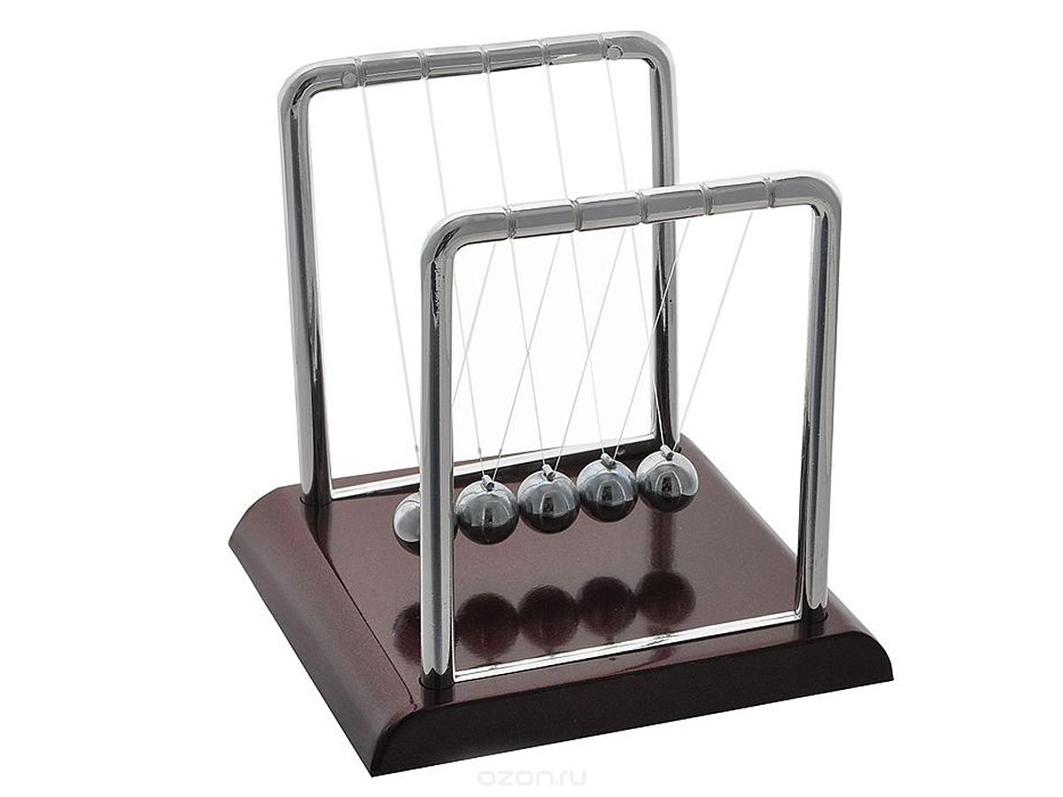 Игрушка-антистресс Эврика Шары Ньютона, 13,5 х 14,5 х 11,5 см18388Игрушка-антистресс Эврика Шары Ньютона выполнена из высококачественного полимера. Движение - это жизнь! Небольшая настольная кинетическая скульптура в собранном виде демонстрирует закон сохранения энергии, открытый Исааком Ньютоном. Достаточно отвести и отпустить один из крайних шариков, и вы увидите, как это работает. Завораживающее медитативное постукивание блестящих шаров на вашем столе поможет сосредоточиться при обдумывании или наоборот, расслабиться после тяжелой работы.