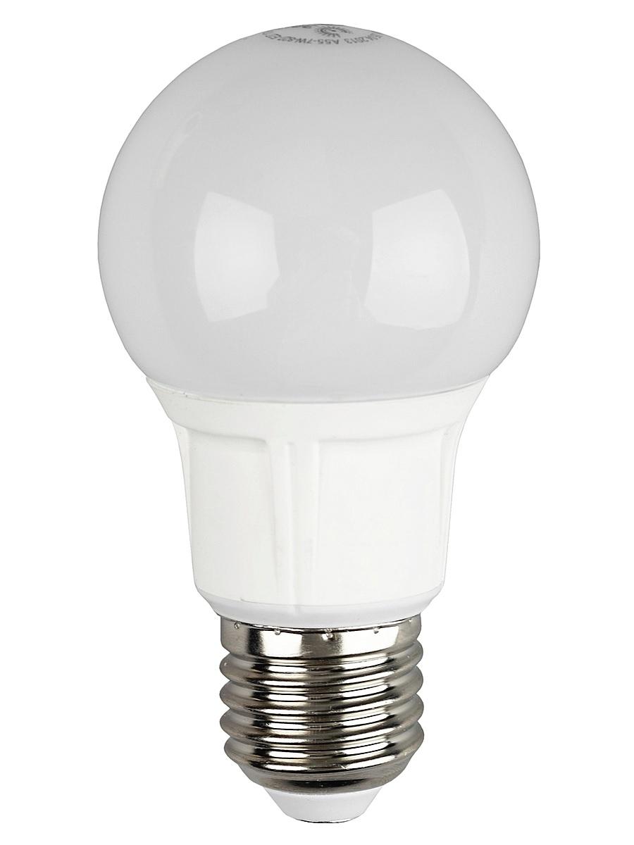 Лампа светодиодная ЭРА, цоколь E27, 170-265V, 7W, 2700КC0042415Светодиодная лампа ЭРА является самым перспективным источником света. Основным преимуществом данного источника света является длительный срок службы и очень низкое энергопотребление, так, например, по сравнению с обычной лампой накаливания светодиодная лампа служит в среднем в 50 раз дольше и потребляет в 10-15 раз меньше электроэнергии. При этом светодиодная лампа практически не подвержена механическому воздействию из-за прочной конструкции и позволяет получить любой цвет светового потока, что, несомненно, расширяет возможности применения и позволяет создавать новые решения в области освещения.Особенности серии A60:Лампочки лучшие в соотношении цена-качествоПредставлена широкая линейка, наличие всех типов цоколей ламп бытового сегментаСветовая отдача - 90-100 лм/ВтГарантия - 2 годаСовместимы с выключателями с подсветкой.