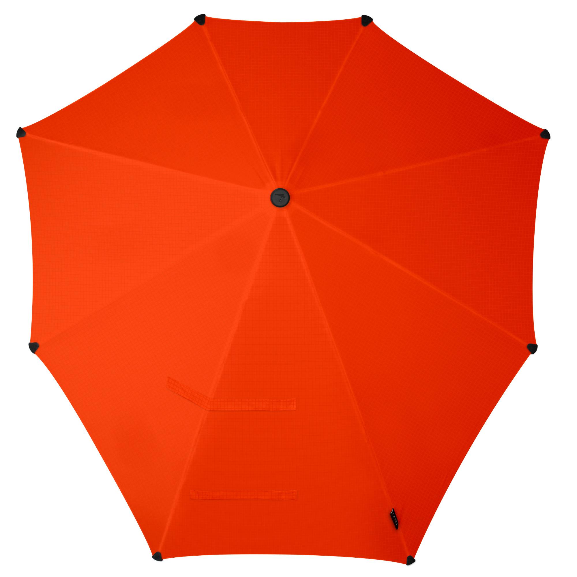 Зонт-трость Senz, цвет: оранжевый. 2011069REM12-GREYЗонт-трость Senz - инновационный противоштормовый зонт, выдерживающий любую непогоду. Форма купола продумана так, что вы легко найдете самое удобное положение на ветру - без паники и без борьбы со стихией. Закрывает спину от дождя. Благодаря своей усовершенствованной конструкции, зонт не выворачивается наизнанку даже при сильном ветре. Модель Senz Original выдержала испытания в аэротрубе со скоростью ветра 100 км/ч.Характеристики: тип - трость, выдерживает порывы ветра до 100 км/ч, УФ-защита 50+, удобная мягкая ручка, безопасные колпачки на кончиках спиц, в комплекте прочный чехол из плотной ткани с лямкой на плечо, гарантия 2 года.
