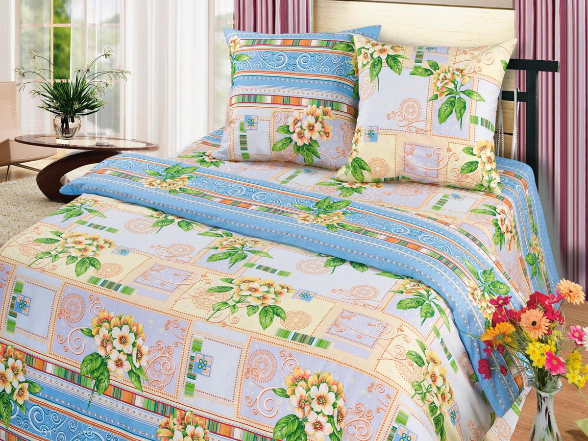 Комплект белья Cleo Комплимент, 1,5-спальный, наволочки 70x70CLP446Коллекция постельного белья из бязи CLEO – это классика сна. Вся коллекция выполнена из 100% хлопка, т.е. во время сна будет комфортно в любое время года! Благодаря пигментному способу нанесение печати, даже после многократных стирок (деликатный режим), постельное белье сохраняет свой первоначальный вид.Постельное белье из бязи имеет ряд уникальных свойств: экологичность, гипоаллергенность, благодаря особому способу переплетения нитей в полотне, обеспечивается особая плотность ткани, что делает ее устойчивой к износу, сохраняется внешний вид на долгие годы, загрязнения прекрасно отстирываются любыми средствами, не садится, легко гладится, не накапливает статического электричества, благодаря составу из 100% хлопка, обладает исключительной терморегуляцией. Комплект состоит из пододеяльника, двух наволочек и простыни.