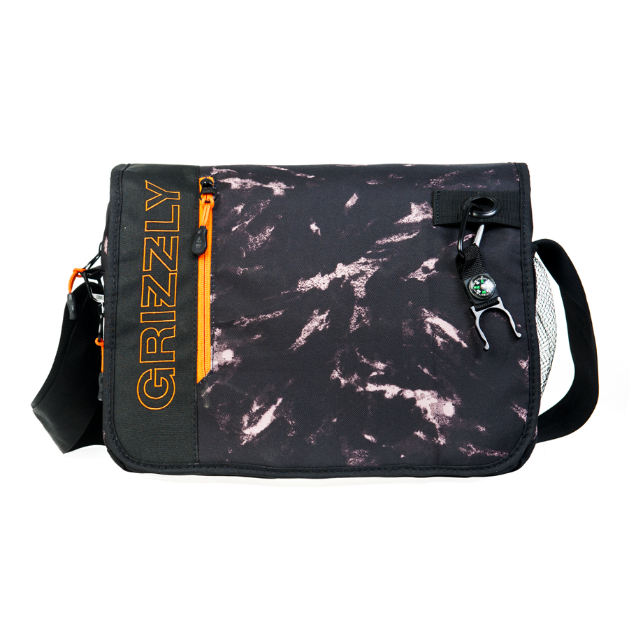 Сумка молодежная Grizzly, цвет: черный, 14 л. MM-610-3/3MHDR2G/AМолодежная сумкаGrizzly имеет одно отделение, клапан на липучках с карманом на молнии, объемный передний карман на молнии, внутренний карман для ноутбука/планшета, внутренний карман на молнии, регулируемый плечевой ремень, брелок-игрушка.