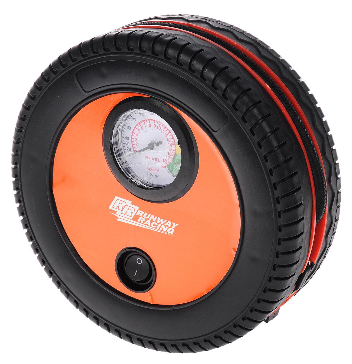 Компрессор автомобильный Runway Racing, 12В. RR131AL-500Компрессор Runway Racing подходит для автомобильных и велосипедных шин, для матрасов и лодок и других надувных изделий из резины. Он мощный, компактный и удобный в использовании. Компрессор выполнен из прочного пластика в виде колеса. Шланг и кабель питания убираются в кабель, что обеспечивает компактное хранение изделия. Питается компрессор от автомобильной сети 12В.В комплекте насадки для накачивания различных резиновых предметов. Максимальное давление: 250 PSI (17 атм). Производительность: 18 л/мин. Вольтаж 12В. Время накачивания стандартной шины: 8 минут.